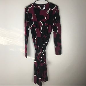 DVF purple print v neck wrap dress wool blend S